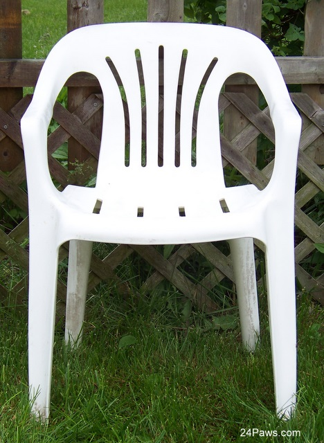 a clean resin chair after using TerraCycle Natural Degreaser